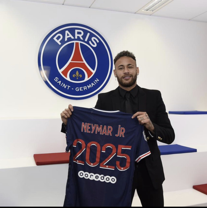 Mercato : Neymar a prolongé au PSG jusqu'en 2025.