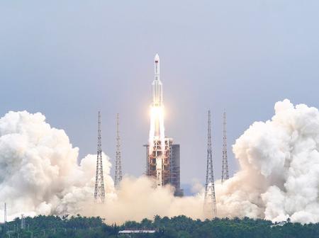 Océan Indien : Un fragment de la fusée chinoise de 18 tonnes, s'est désintégré au-dessus des Maldives.
