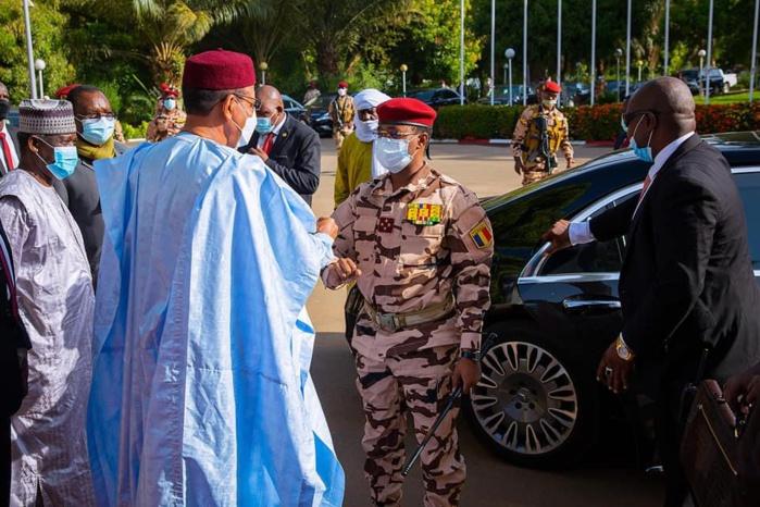 Visite au Niger : le Général Mahamat Idriss Déby soutient les soldats tchadiens déployés à Téra.