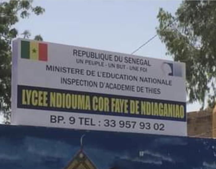 Ndiaganiao : Les élèves dans la rue depuis une semaine, séquestrent les professeurs et mettent à sac la salle des profs...
