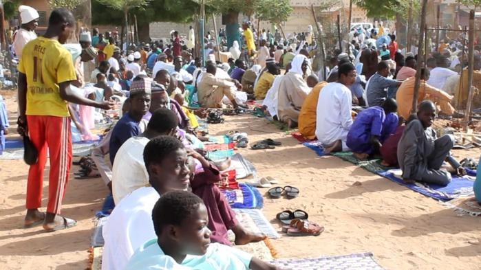 Prière à la grande mosquée de Médina Baye : Le Khalife invite les musulmans à l'unité et prie pour un Sénégal de paix et de prospérité.