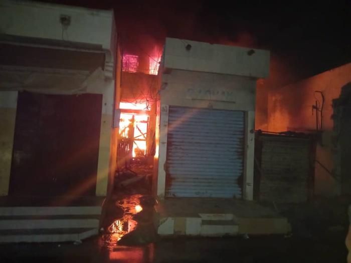 Incendie au marché central de Kaolack : Plusieurs millions partent en fumée.