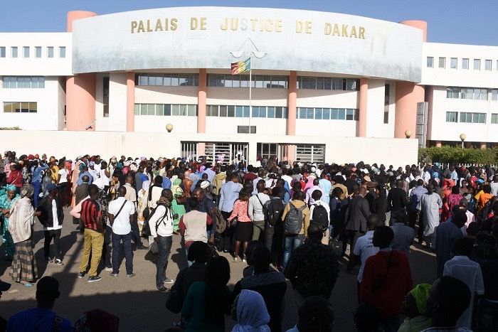 Tribunal Correctionnel : Les avocats Mes Baboucar Cissé et Mounirou Balal se déchirent..,