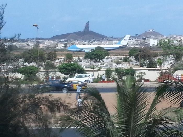 Air Force One vient de décoller de l'aéroport de Dakar pour l'Afrique du Sud (PHOTOS)