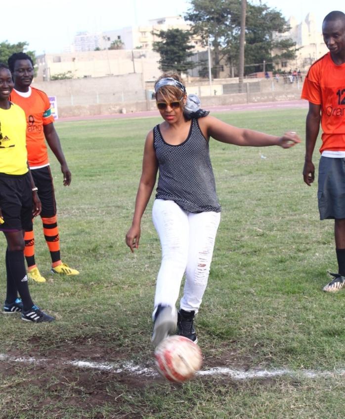 Match mbalaxmen contre rappeurs, Viviane Chidid donne le coup d'envoi