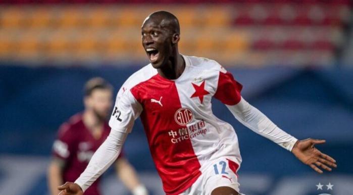 Équipe nationale : Fodé Ballo-Touré et Habib Diallo incertains, Abdallah Sima prévu en cas de forfait.