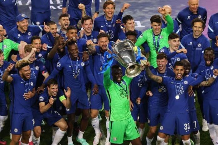 Le président Macky Sall félicite Édouard Mendy, vainqueur de la Ligue des champions : «Vous faites la fierté de votre pays!»