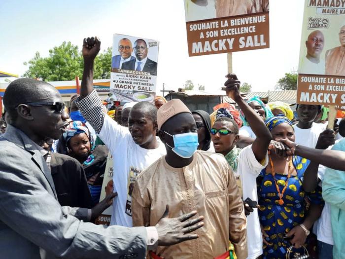 Tournée économique : la forte mobilisation de Mamady Thiam, maire de Kahène,  sauve l'étape de Macky Sall à Koumpentoum