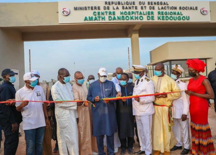 Tournée Economique : Kédougou étrenne son hôpital régional, Macky Sall lui donne le nom de feu Amath Dansokho pour honorer son parcours et sa mémoire.