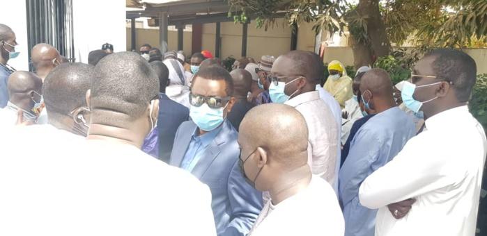 Levée du corps des trois agents de Leral : présence remarquée des autorités sénégalaises lors de la séance de prières