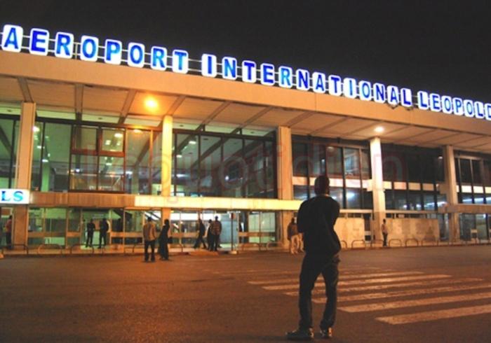 Un faux conseiller de Macky Sall  cravaté à l'Aéroport LSS  :Le faussaire Joël Manou installe le malaise à la Présidence de la République