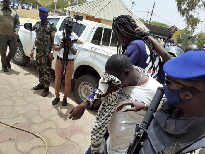 Suicide de Abdou Faye au commissariat central : le prévenu s'est pendu avec un filet éponge de toilette africaine (Ndjampé)