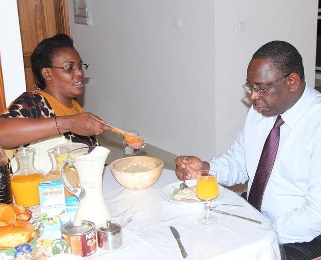 «Au moment où tous les sénégalais maigrissent, Macky et son épouse grossissent !» le nouveau slogan du Pds