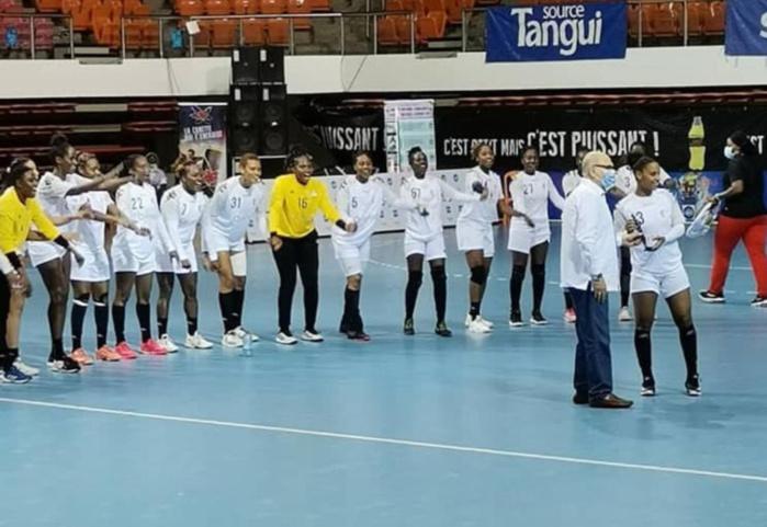 CAN Handball féminine / Sénégal 32-20 Guinée : Les Lionnes signent une deuxième victoire de rang et accèdent aux quarts de finale.