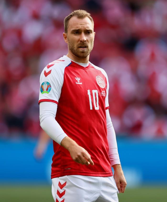 Danemark - Finlande (0-1) : L'UEFA décerne le trophée d'homme du match à Christian Eriksen, victime d'un malaise cardiaque en plein match…