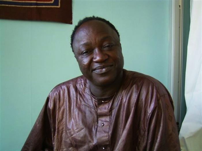 FRANCE : Cheikh N'digueul Fall obtient un visa longue durée de 3 ans.