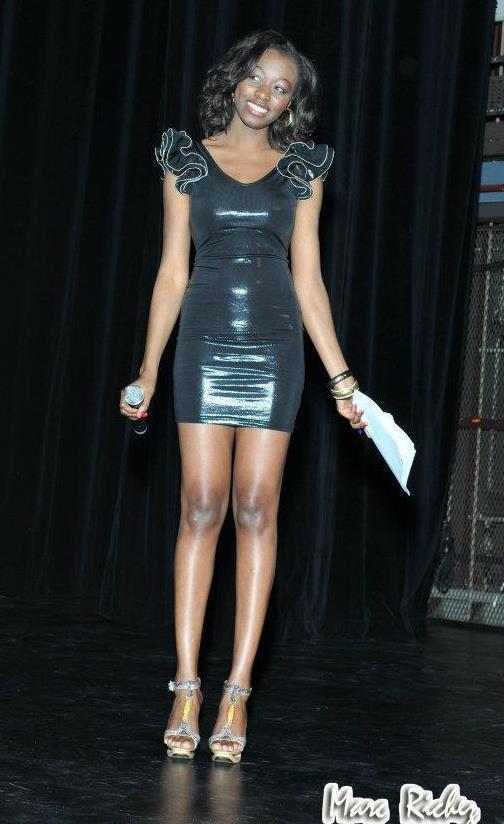 le mannequin et animatrice de la tfm khady ndiaye bijou tr s sexy dans ses robes de sortie. Black Bedroom Furniture Sets. Home Design Ideas