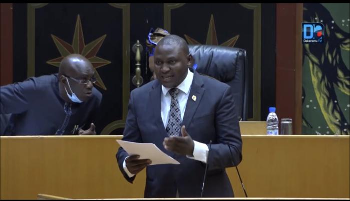 Toussaint Manga au président de la République : « Le jour où Macky Sall proclamera sa candidature à un troisième mandat, je lui donne une semaine, il va quitter le pays »