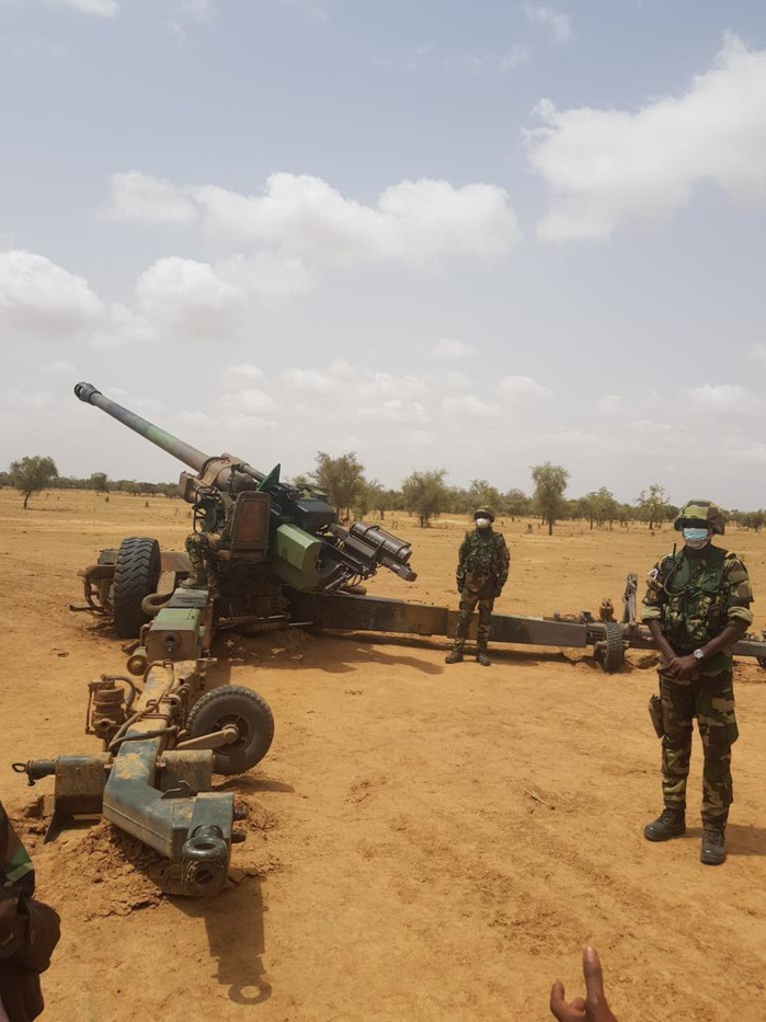 Campagne de tirs aux armes lourdes de l'armée de terre : Le CEMGA à Dodji pour présider l'entraînement des unités d'infanterie, d'artillerie, des chars.