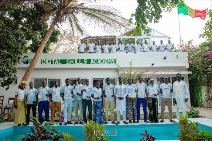 M'Bour/Sénégal : L'entrepreneur social Thione Niang, lance le Give1Project Digital Skills Academy.