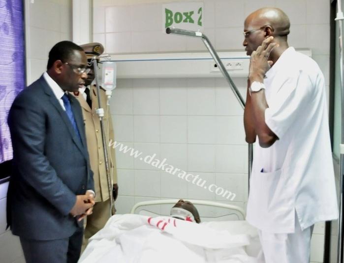 Hôpital Principal: Le président Macky Sall fait le tour des salles pour s'enquérir de l'état de santé des blessés de l'acc