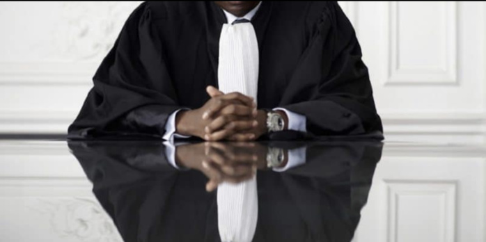 Adversaires un jour, avocats partenaires dans un autre dossier : Au tribunal, les « robes noires » se déchirent, puis flottent ensemble