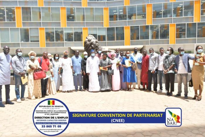 Opérationnalisation du Programme d'urgence dans le cadre de la Convention nationale Etat-Employeurs: insertion de 1374 jeunes et femmes
