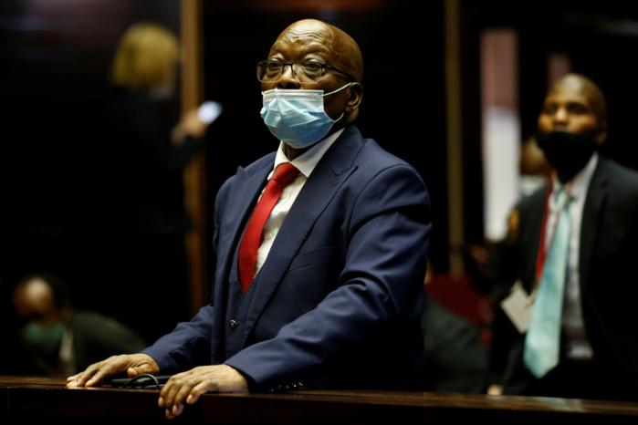 Outrage à la justice: Jacob Zuma s'est constitué prisonnier