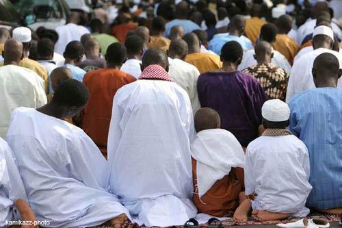 La communauté musulmane célèbre l'Aïd El-Fitr