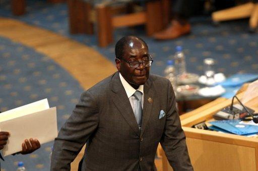 """""""Allez vous faire pendre"""", lance Mugabe à ses opposants"""