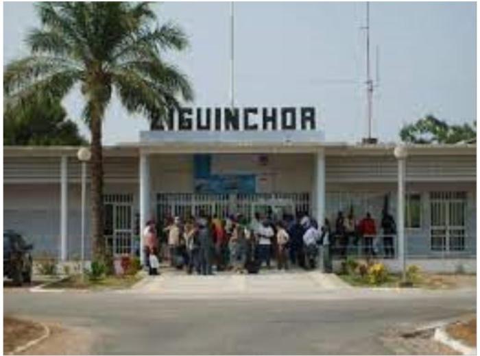 Ziguinchor - Convoqués pour 10h : les passagers de « Air Sénégal » laissés à eux mêmes, la compagnie avance la panne d'un des appareils