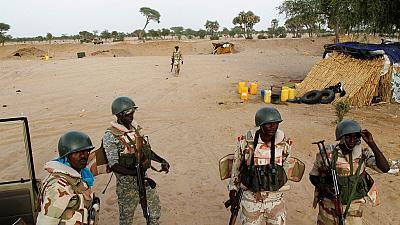 Niger : quatre militaires et cinq civils tués dans une attaque terroriste.