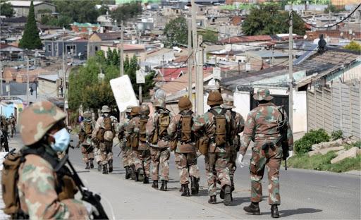 Afrique du Sud : Déploiement de l'armée après des pillages et la mort de 6 personnes.