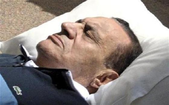 Egypte ; Hosni Moubarak, libre mais reste détenu