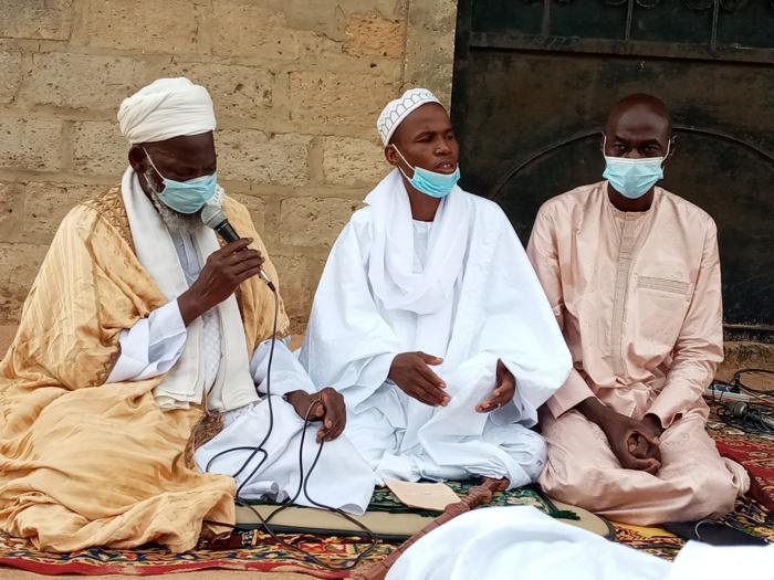 Tabaski à Lyndiane Jardin : L'Imam Thierno Samba Ba s'attaque à la violence dans le discours politique et appelle à plus de sérénité.