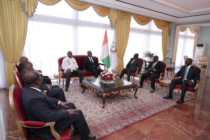Côte d'Ivoire : Le Président de la République, Alassane Ouattara reçoit Laurent Gbagbo. (IMAGES)