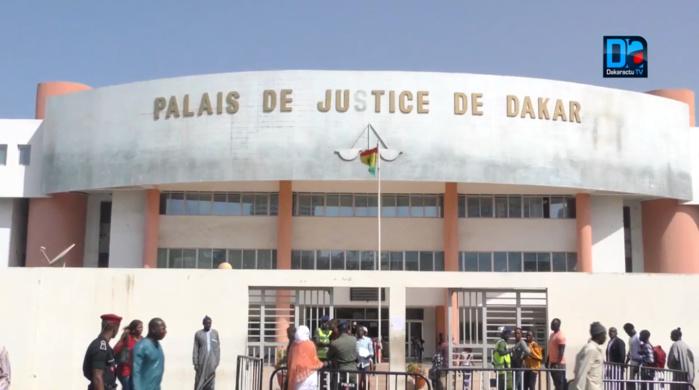 """Coups et blessures volontaires : Fatou Faye par jalousie entaille la joue de la supposée """"niarel"""" de son amant"""