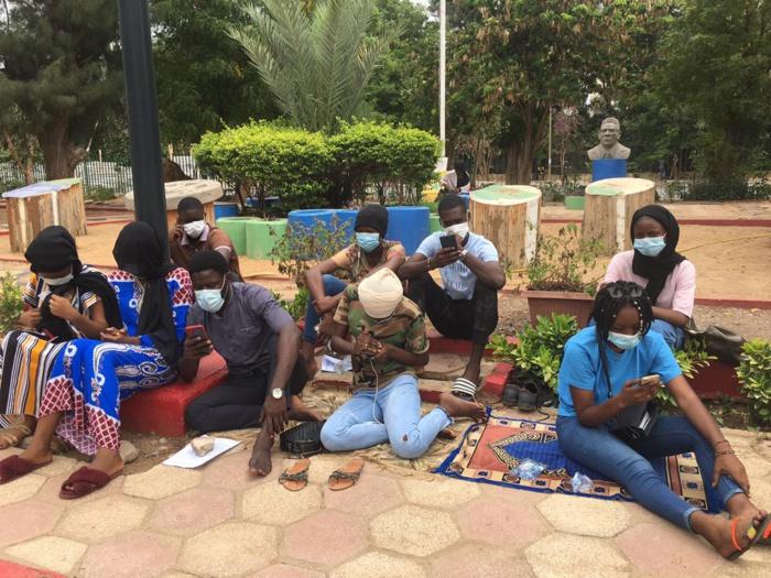UCAD : Les étudiants exclus mettent fin à leur grève de la faim.