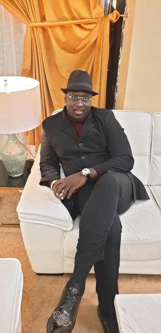 Covid-19 : en mission à Johannesburg Serge Malou chope le virus malgré la dose de Johnson and Johnson, et appelle les Sénégalais au respect des mesures