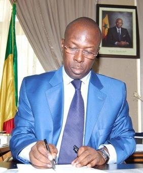Rapport 2011 de l'Armp SENELEC  Souleymane Ndéné Ndiaye défie la Dcmp et autorise une entente directe de plus de 3 milliards