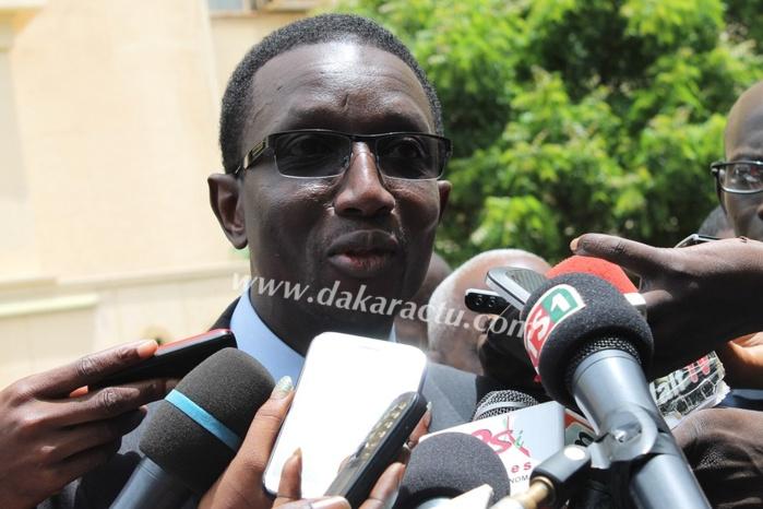 Voici le curriculum vitae de Monsieur Amadou Ba , Ministre de l'Economie et des Finances