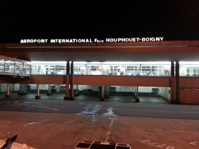 Renforcement du contrôle sanitaire : La Côte d'Ivoire exige désormais un test Covid-19 aux passagers en provenance de Dakar et Tunis.
