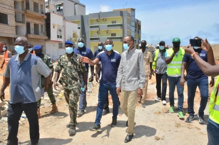 OPÉRATION DE DÉSENCOMBREMENT : Le ministère de l'urbanisme lance l'opération de désencombrement au niveau des alentours de l'aéroport de Yoff.