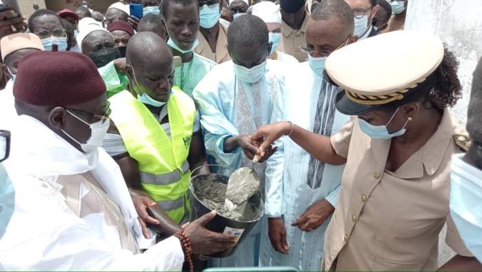 Construction de la grande mosquée de Kaffrine : Abdoulaye Seydou Sow a procédé à la pose de la première pierre.