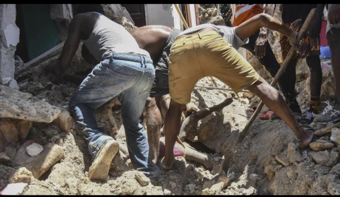 Séisme en Haïti : le bilan grimpe à 304 morts et 1800 blessés graves.