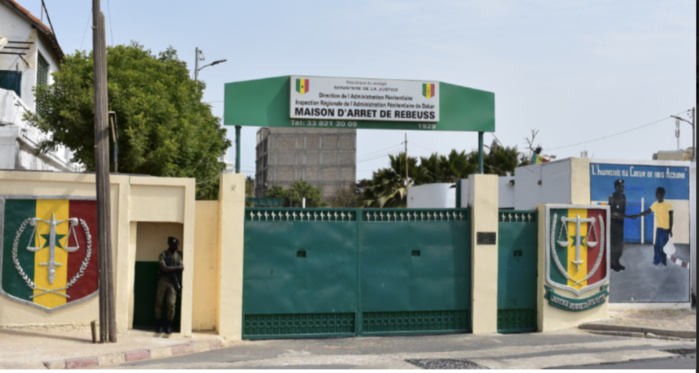 Prison de Rebeuss : Un meurtrier en détention agresse un garde pénitentiaire et atterrit à la barre.