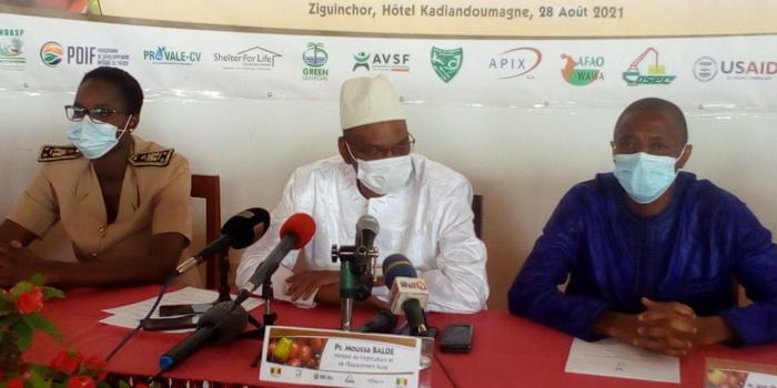 ZIGUINCHOR : Moussa Baldé (Maer) préside l'assemblée général constitutive de l'interprofession Cajou au Sénégal.