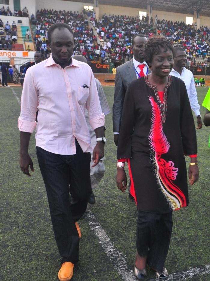 Colère d'Adama Faye contre Mimi Touré- 5 millions à l'origine du clash