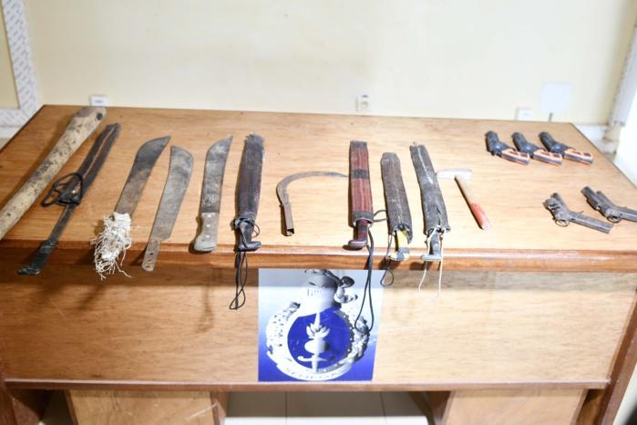 Vol à main armée et viol à Darou Ndoye / Méouane : Les 11 assaillants arrêtés en posssesion de 5 pistolets.