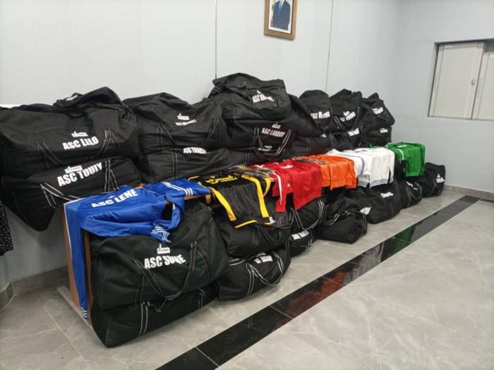 Rse à Mbour et Thiès : 24 Asc dotées chacune d'un lot d'équipements sportifs et d'un soutien financier par l'Aibd.